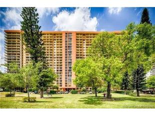 <div>290 174th St Apt 407</div><div>Sunny Isles Beach, Florida 33160</div>