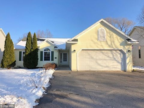 Photo of 1309 7th St N, Cannon Falls, MN 55009