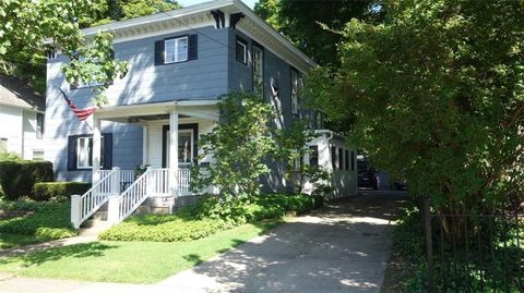 26 Gibson St, North East, PA 16428
