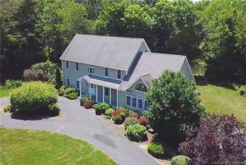 Photo of 130 Orchard Hill Rd, Pomfret, CT 06259