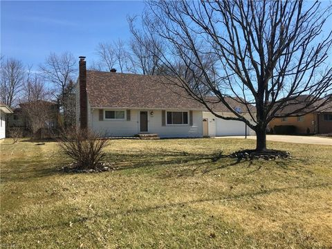 Photo of 1275 Blueberry Hill Dr, Brunswick, OH 44212