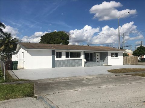 Photo of 1605 W 65th St, Hialeah, FL 33012