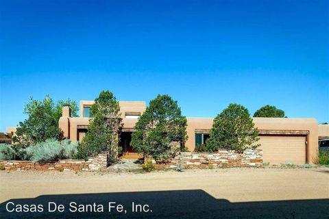 Photo of 774 Calle Altamira, Santa Fe, NM 87501