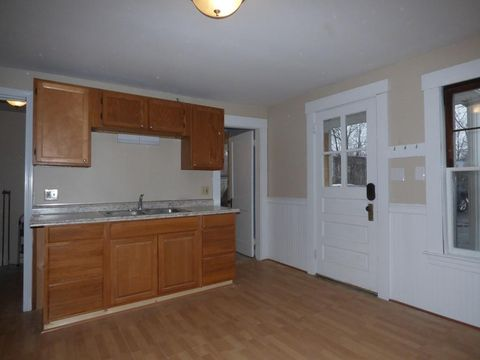 127 Central St Unit 1 R, Leominster, MA 01453