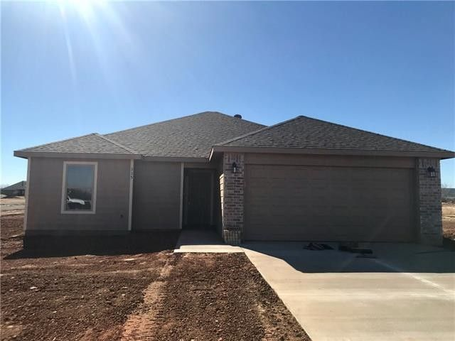 335 Foxtrot Ln, Abilene, TX 79602
