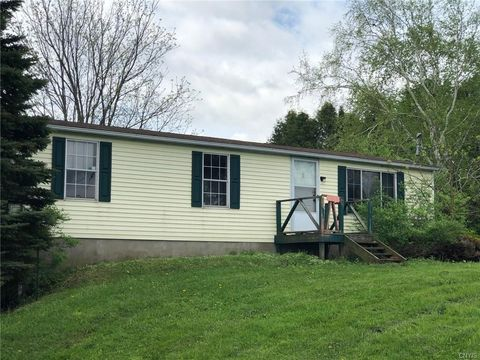 Photo of 6818 Valley View Rd, Clinton, NY 13323