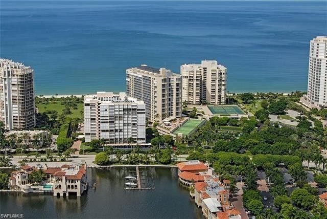 4041 Gulf Shore Blvd N Apt 304, Naples, FL 34103