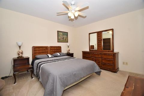 Photo of 9021 Gaylord Dr Apt 84, Hedwig Village, TX 77024