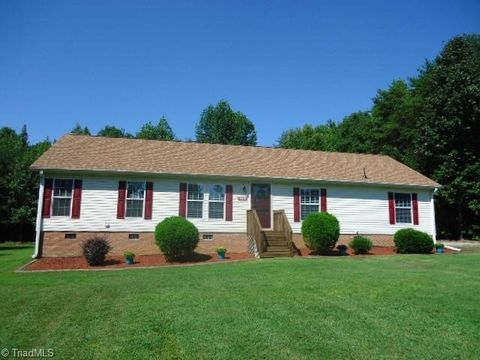108 Laurel Ridge Ct, Yanceyville, NC 27379