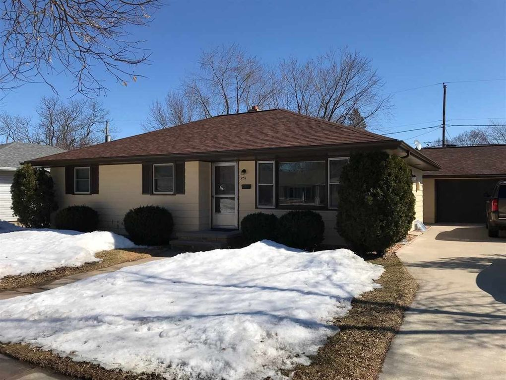 255 S Roger St, Kimberly, WI 54136