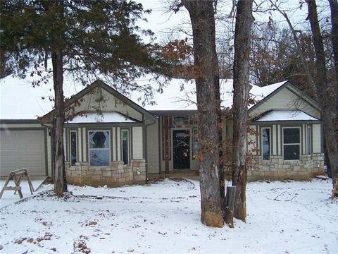 1811 Woodland Park Dr, Denison, TX 75020