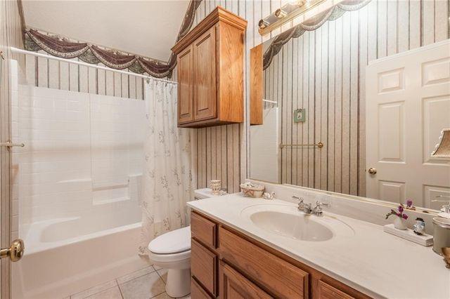Bathroom Faucets Edmond Ok 16716 farmington way, edmond, ok 73012 - realtor®