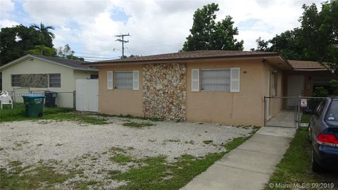 Photo of 10810 Sw 5th St Unit 10810, Sweetwater, FL 33174