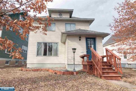 Photo of 319 S 6th St, Virginia, MN 55792
