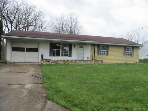 Photo of 3209 Red Feather Dr, Sidney, OH 45365
