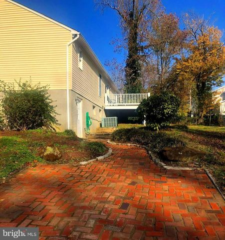 Photo of 601 Barton Rd, Edgewater, MD 21037