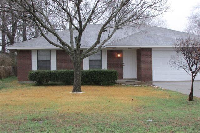 929 Dubois St, Denison, TX 75020