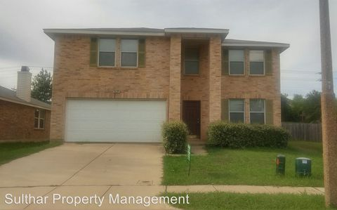 Photo of 3625 Clydesdale Dr, Denton, TX 76210