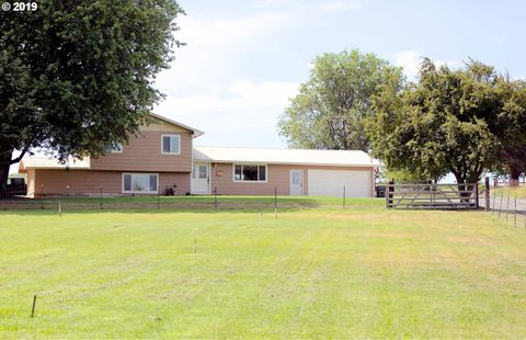 Photo of 79941 Pheasant Ln, Hermiston, OR 97838