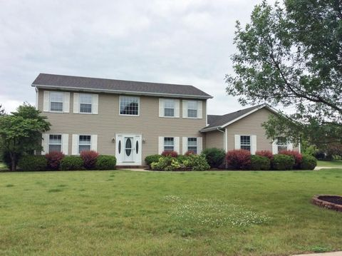 8325 E Ridge Dr, Pleasant Prairie, WI 53158