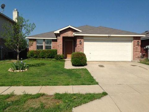 16621 Woodside Dr, Fort Worth, TX 76247