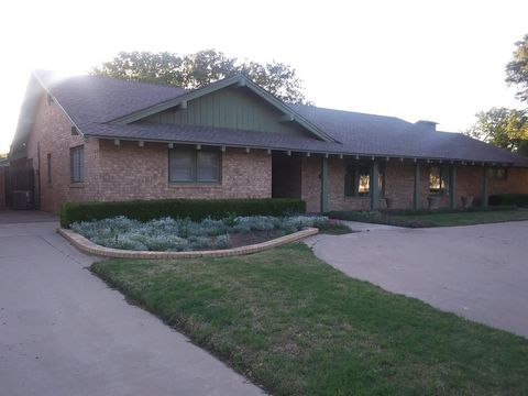 Photo of 1321 Ave N, Ralls, TX 79357