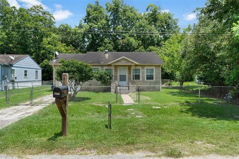 Photo of 6717 Carver Ave, Hitchcock, TX 77563