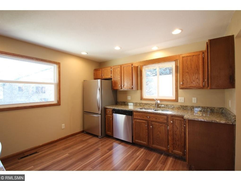 1432 106th Ave Nw, Coon Rapids, MN 55433