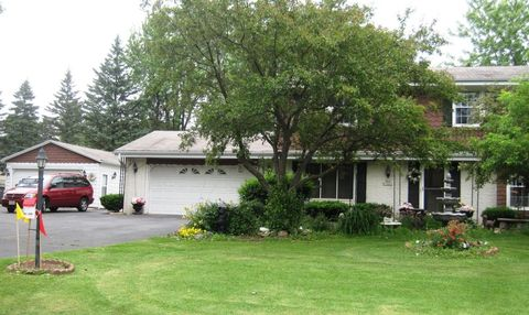 S63 W18482 Martin Dr, Muskego, WI 53150