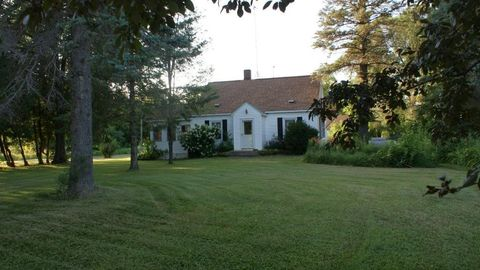 Photo of 7145 375th Ave Nw, Dalbo, MN 55017