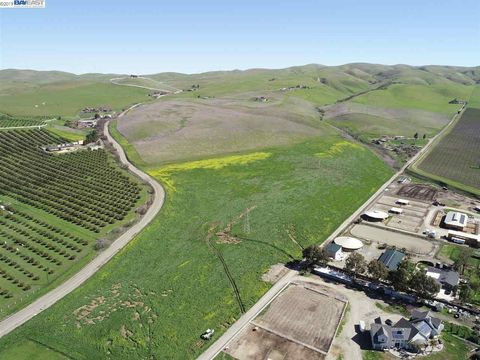 Photo of 4766 Cross Rd, Livermore, CA 94550