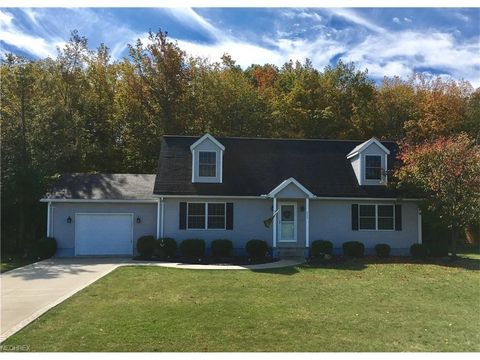403 Sweetvalley Ln, Kelleys Island, OH 43438