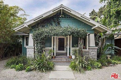 1947 N Vista Del Mar St, Los Angeles, CA 90068