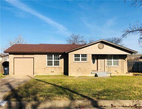 4225 Larson Ln, Fort Worth, TX 76115