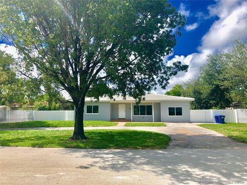 Photo of 1560 Ne 118th Ter, Miami, FL 33161