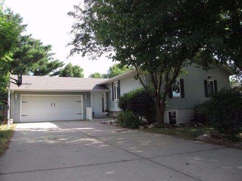 817 San Salvador Ave, Carroll, IA 51401