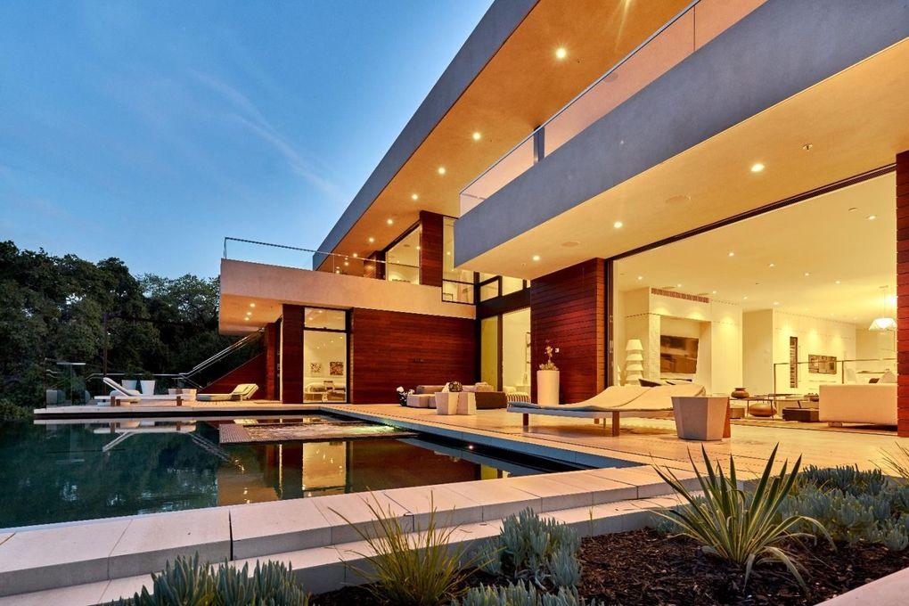 10718 Mora Dr, Los Altos Hills, CA 94024