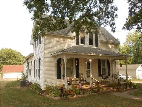 705 S Sloan St, Maysville, MO 64469