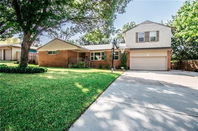 6825 Chickering Rd Fort Worth, TX 76116