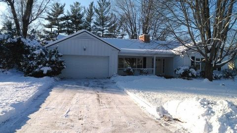 2606 Country Club Ter, Rockford, IL 61103