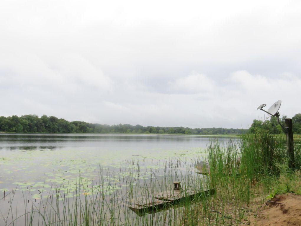 Little Smith Lake Dr Dowagiac, MI 49047