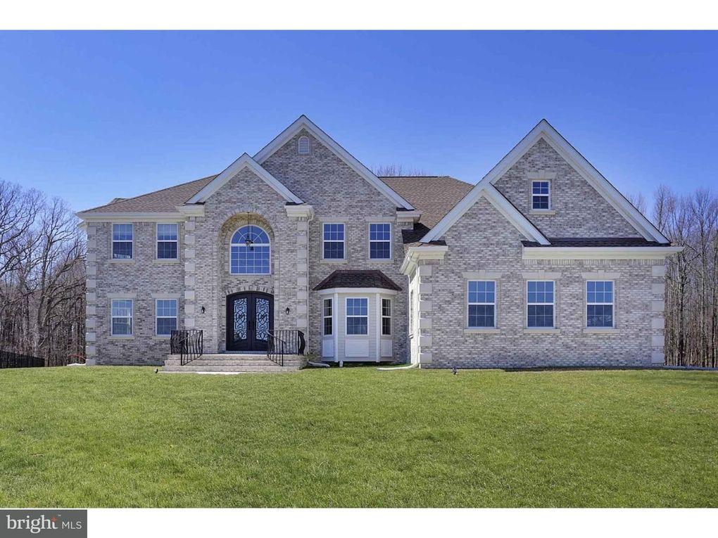 61 Emerald Rd, Robbinsville, NJ 08691