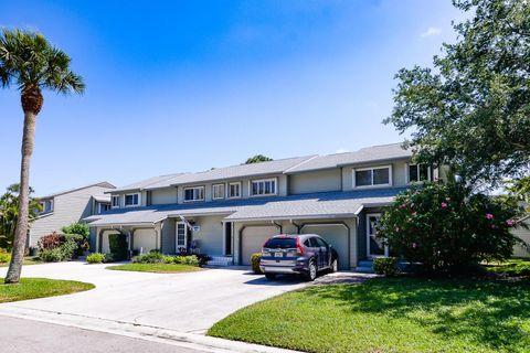 682 Ne Wax Myrtle Way, Jensen Beach, FL 34957