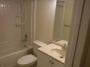 304 S Brighton Dr Port Orange Fl 32127 Bathroom