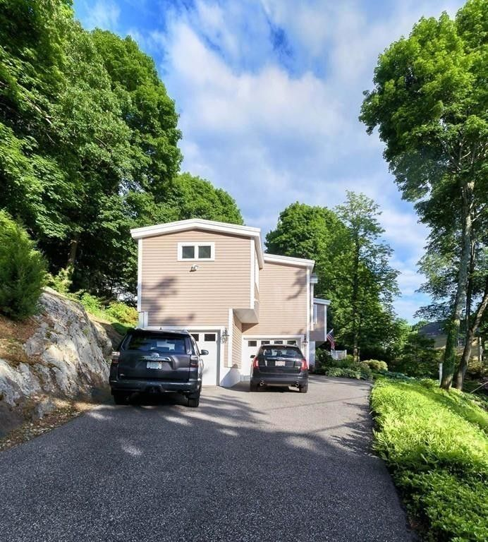 16 Marshall Rd, Winchester, MA 01890