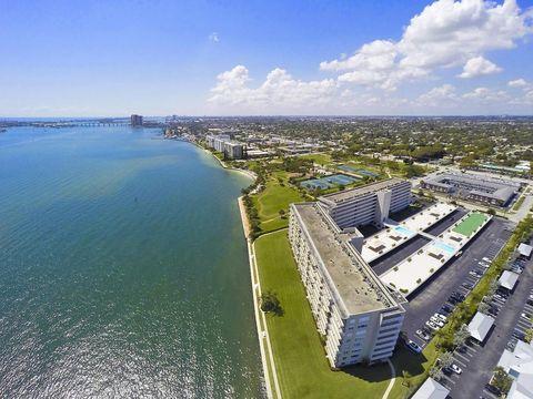 801 Lake Shore Dr Apt 309, Lake Park, FL 33403