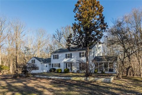 23 Tumblebrook Rd, Woodbridge, CT 06525