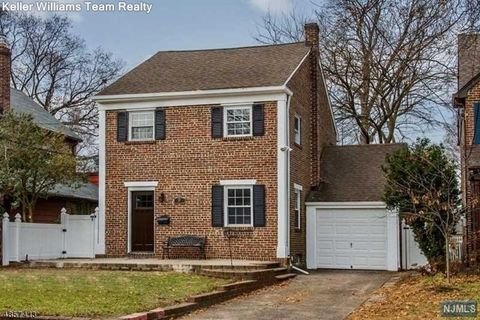 52 Summit Rd, Clifton, NJ 07012