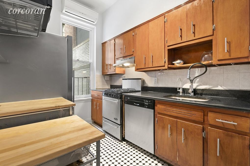 125 W 56th St Apt 4 B, New York, NY 10019