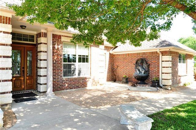 10298 Western Oaks Rd, Fort Worth, TX 76108